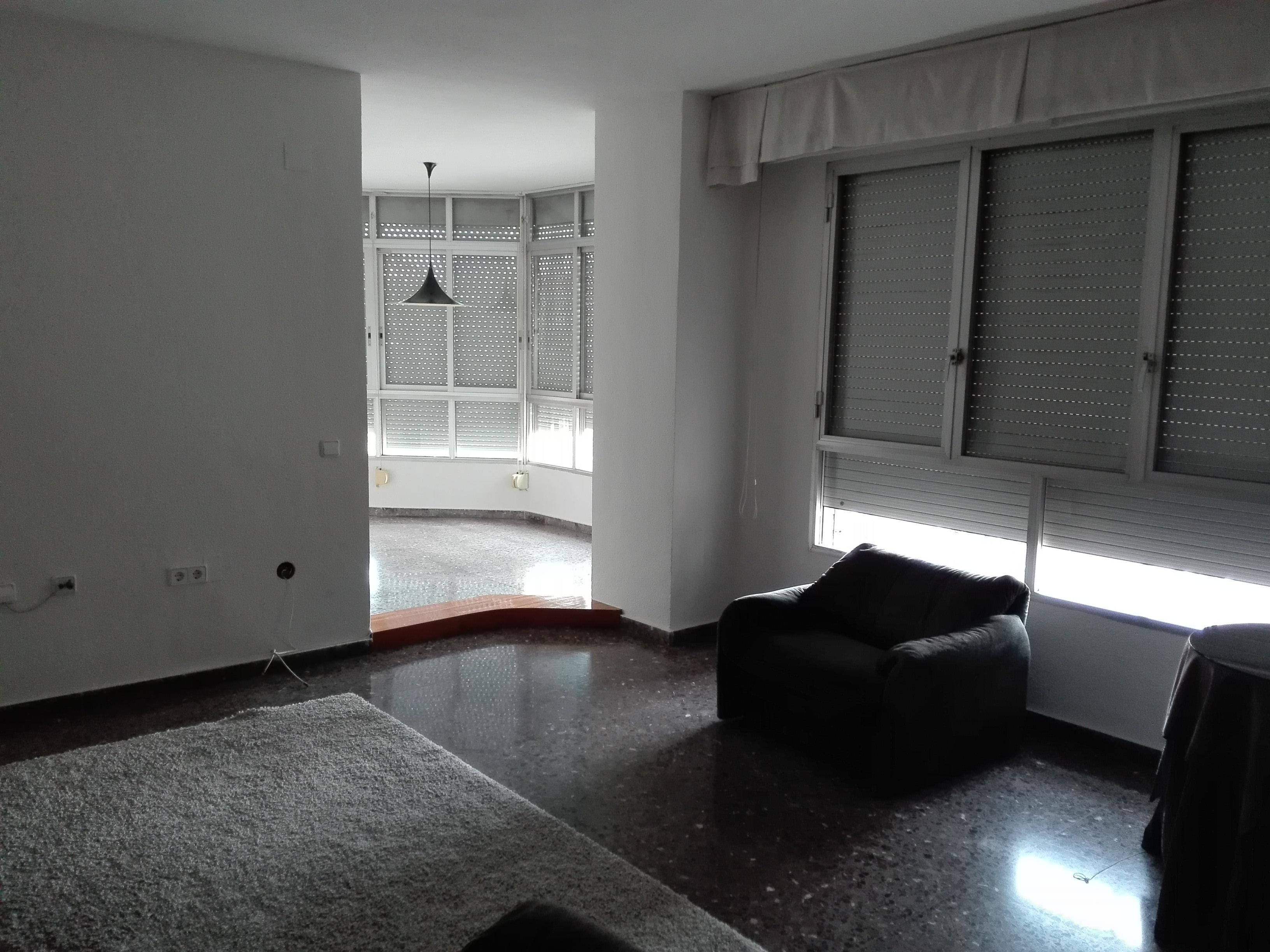 Piso en avenida de la fama pisos centro murcia for Pisos en vistabella murcia